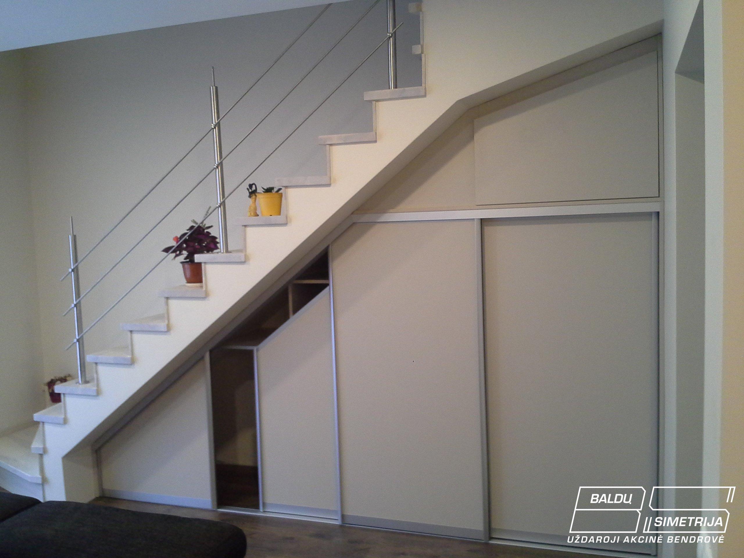 Spinta po laiptais
